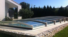 Pose d'un abri de piscine : les étapes